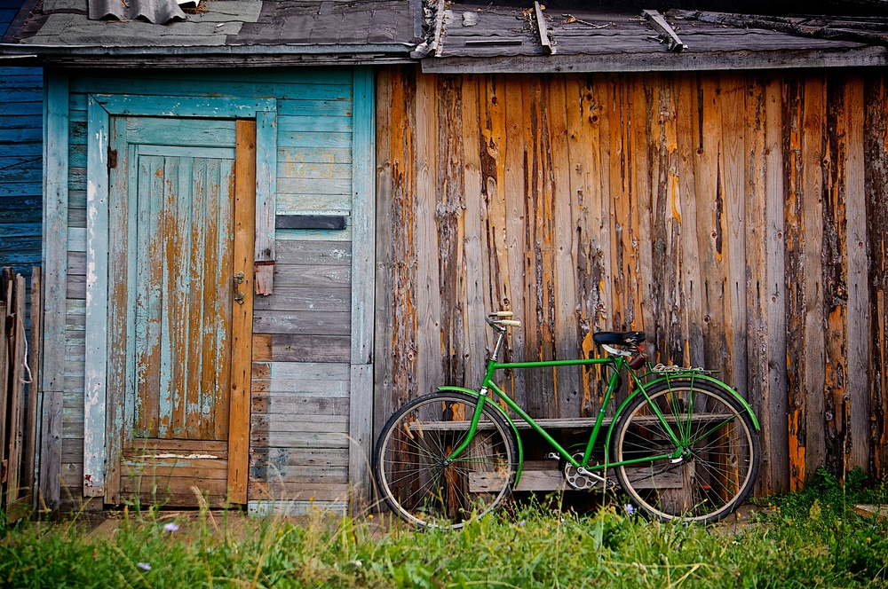 old school green bike.jpg