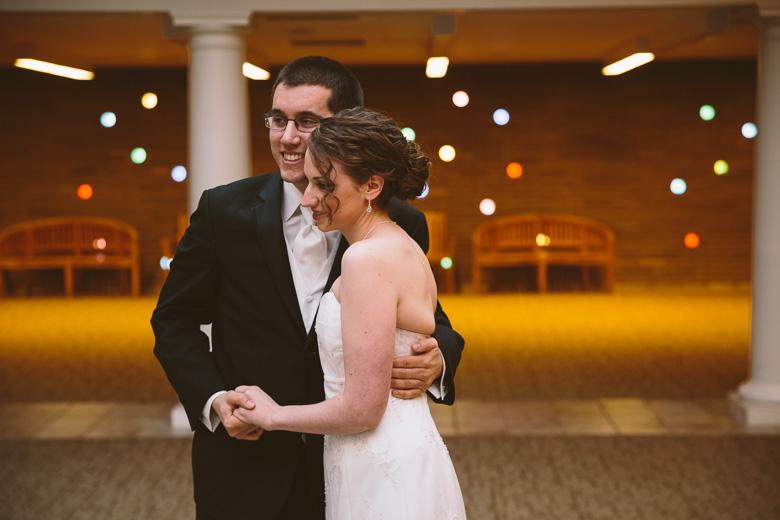 akron-ohio-wedding-photographer_nicole-jason-37.jpg