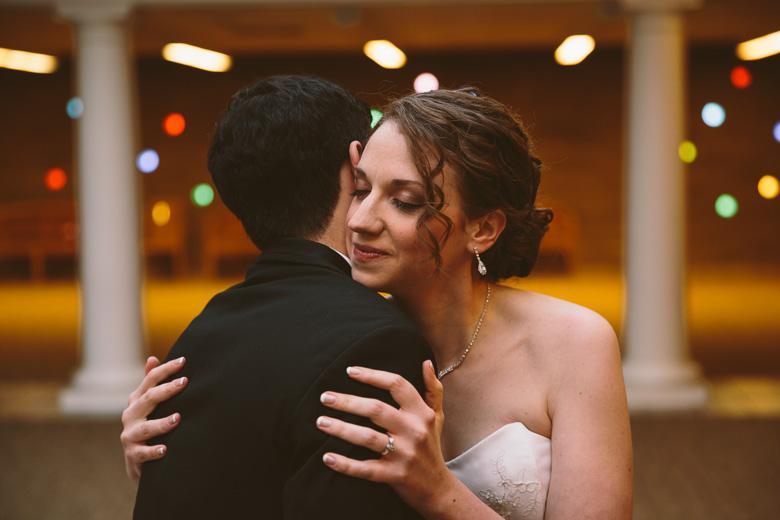 akron-ohio-wedding-photographer_nicole-jason-38.jpg