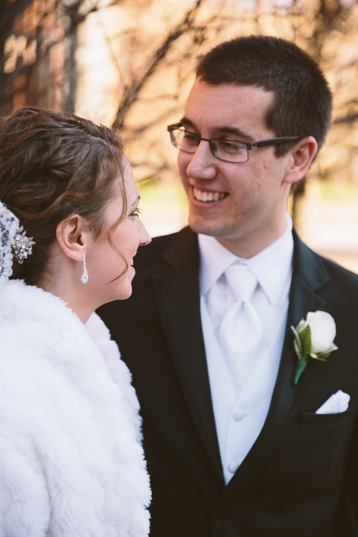 akron-ohio-wedding-photographer_nicole-jason-41.jpg