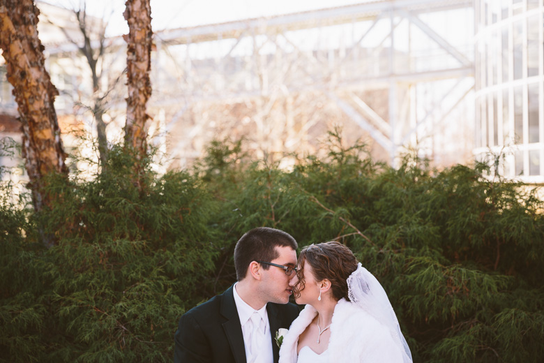 akron-ohio-wedding-photographer_nicole-jason-49.jpg