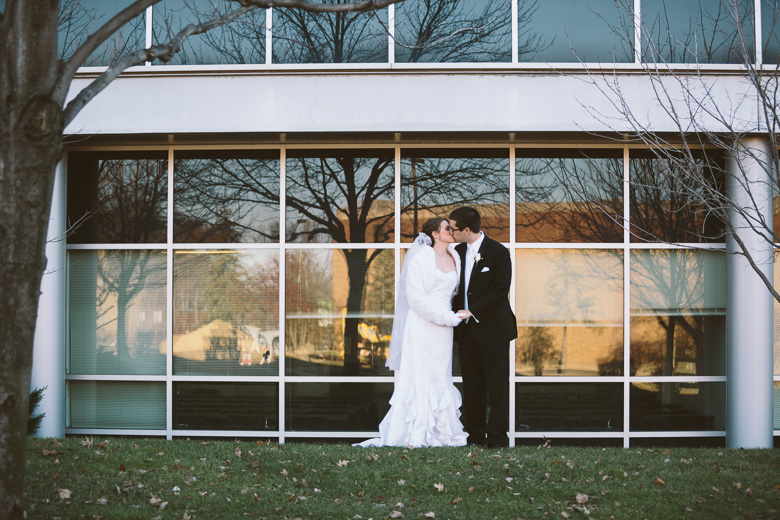 akron-ohio-wedding-photographer_nicole-jason-54.jpg