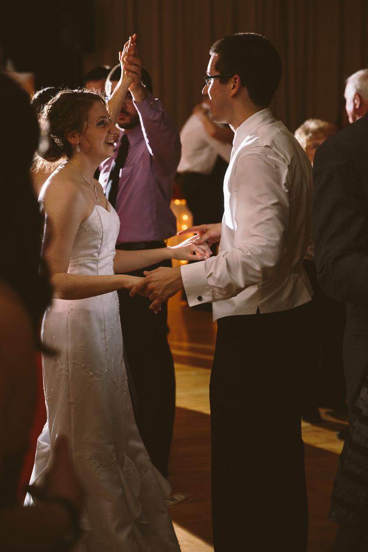 akron-ohio-wedding-photographer_nicole-jason-108.jpg