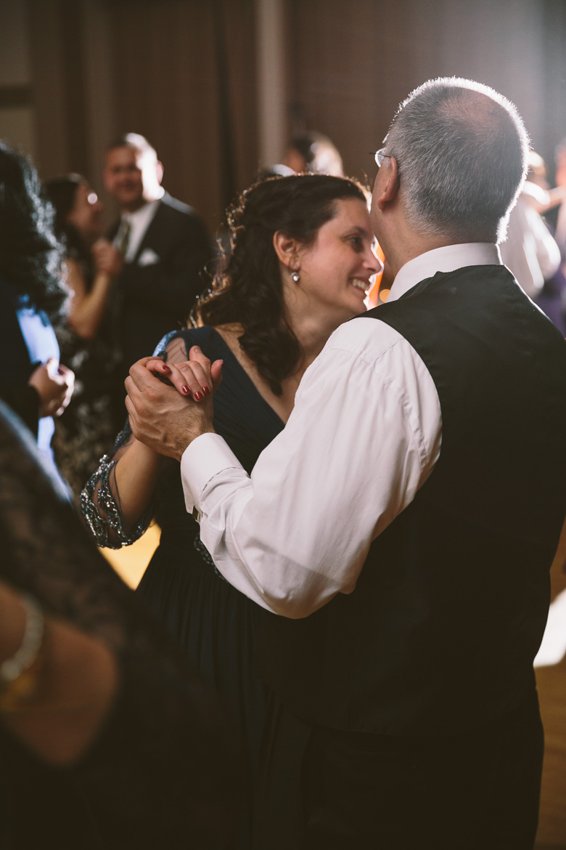 akron-ohio-wedding-photographer_nicole-jason-111.jpg