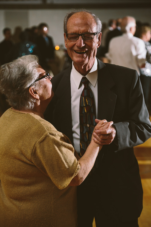 akron-ohio-wedding-photographer_nicole-jason-112.jpg