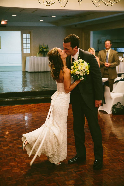 west-lake-ohio-wedding-photography_melissa-matthew-102.jpg