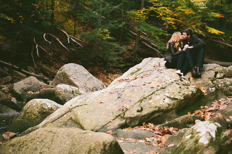 brecksville-ohio-engagement-photography_kristina-tyler-32.jpg