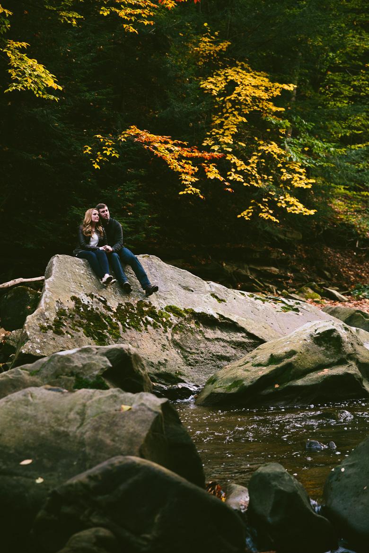 brecksville-ohio-engagement-photography_kristina-tyler-45.jpg
