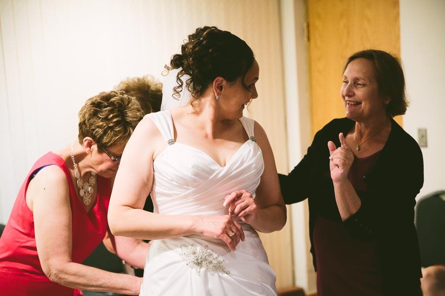 medina-ohio-wedding-photography-megan-brian-29.jpg
