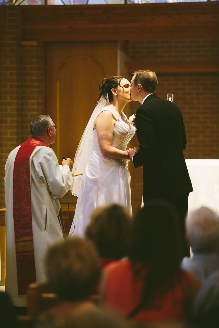 medina-ohio-wedding-photography-megan-brian-55.jpg