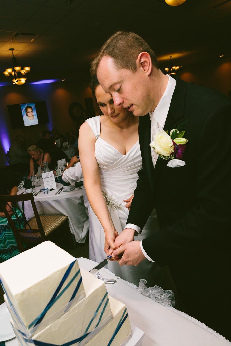 medina-ohio-wedding-photography-megan-brian-102.jpg