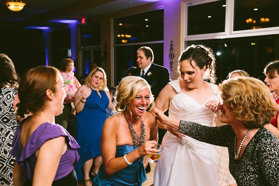 medina-ohio-wedding-photography-megan-brian-116.jpg