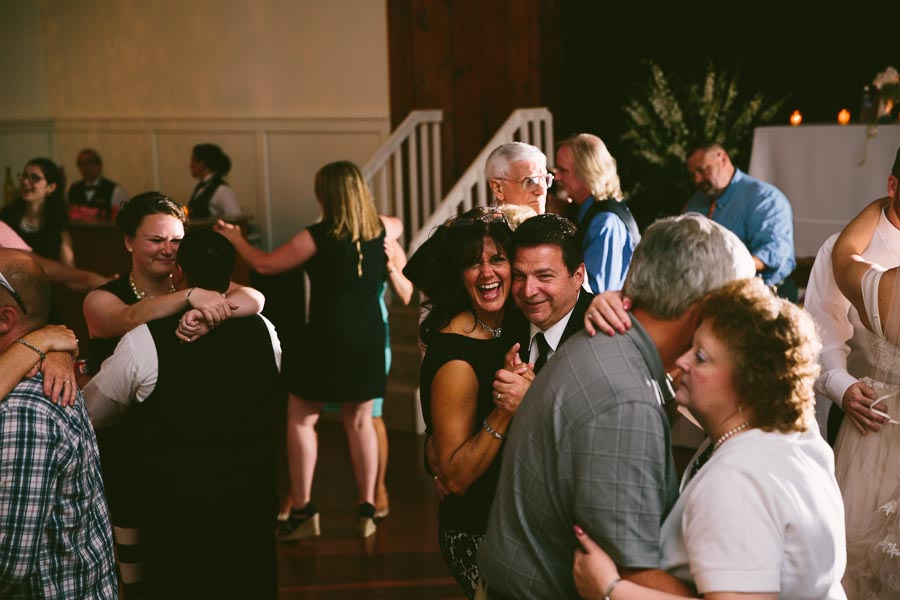 columbia-station-ohio-wedding-photography-whitehall-jenni-ian-148.jpg