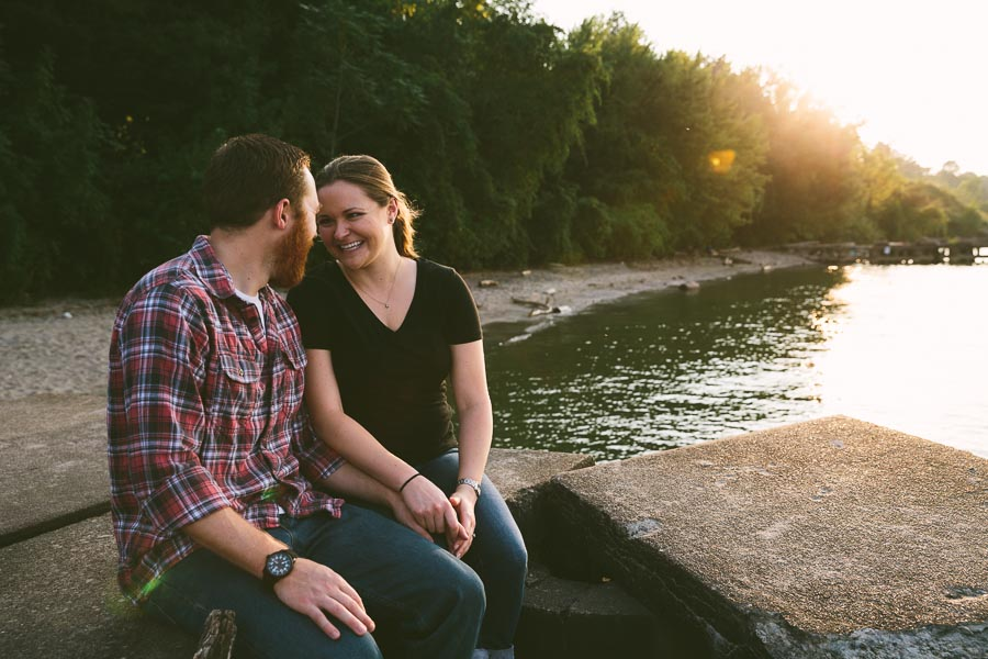cleveland-oh-engagement-photgraphy-edgewater-park-lake-erie-kim-mike-16.jpg