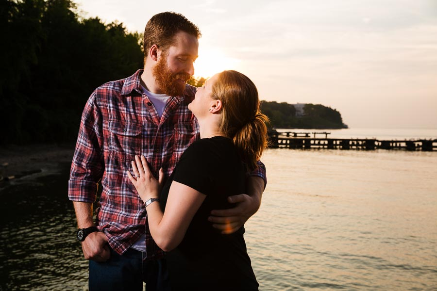 cleveland-oh-engagement-photgraphy-edgewater-park-lake-erie-kim-mike-25.jpg