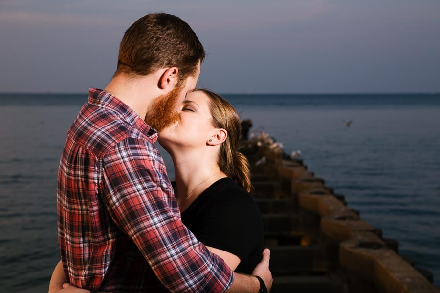 cleveland-oh-engagement-photgraphy-edgewater-park-lake-erie-kim-mike-26.jpg