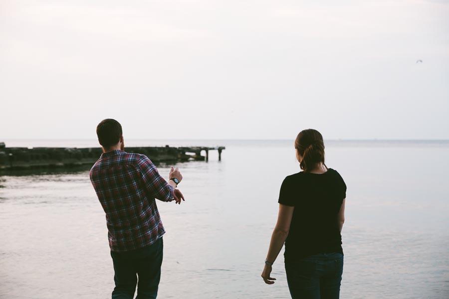 cleveland-oh-engagement-photgraphy-edgewater-park-lake-erie-kim-mike-35.jpg