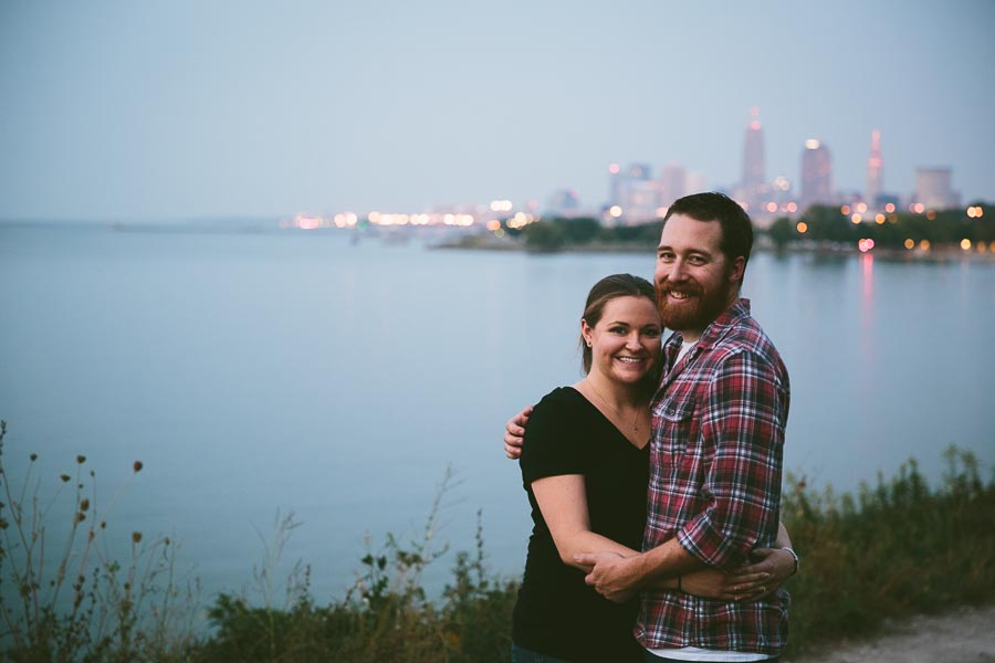 cleveland-oh-engagement-photgraphy-edgewater-park-lake-erie-kim-mike-40.jpg