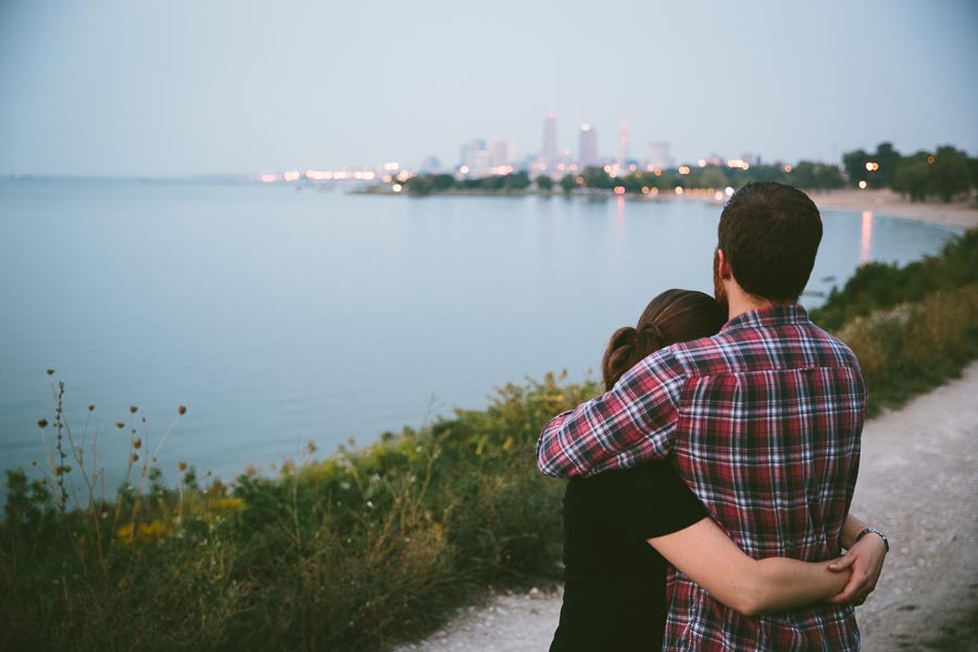 cleveland-oh-engagement-photgraphy-edgewater-park-lake-erie-kim-mike-39.jpg
