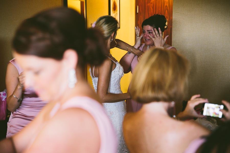 cleveland-ohio-wedding-photography-holiday-inn-rockside-independence-5.jpg