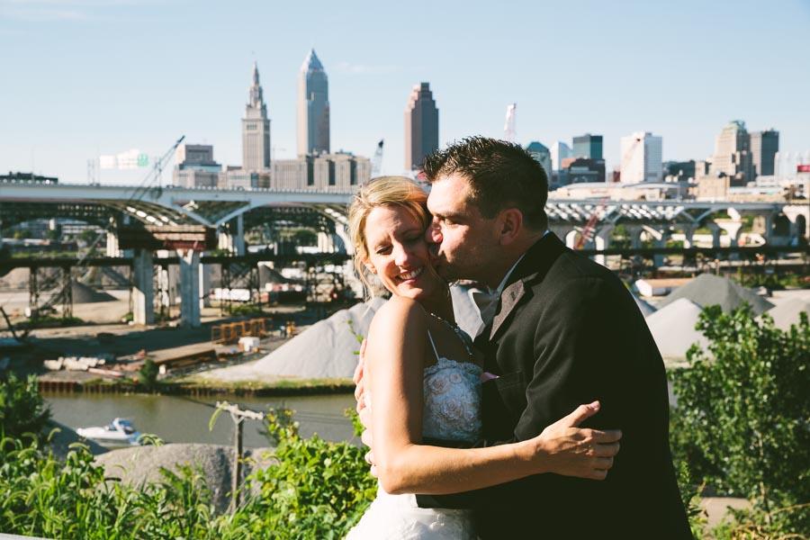 cleveland-ohio-wedding-photography-holiday-inn-rockside-independence-21.jpg