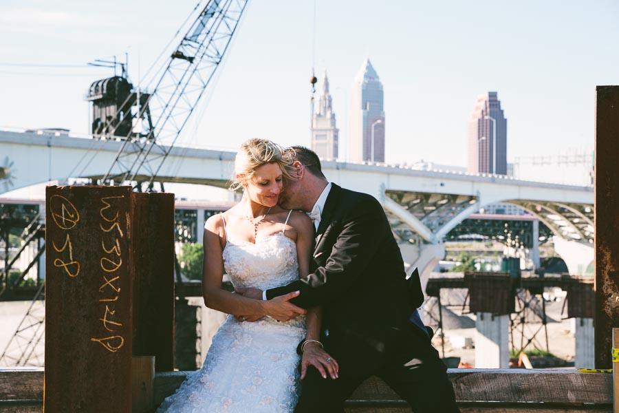 cleveland-ohio-wedding-photography-holiday-inn-rockside-independence-22.jpg