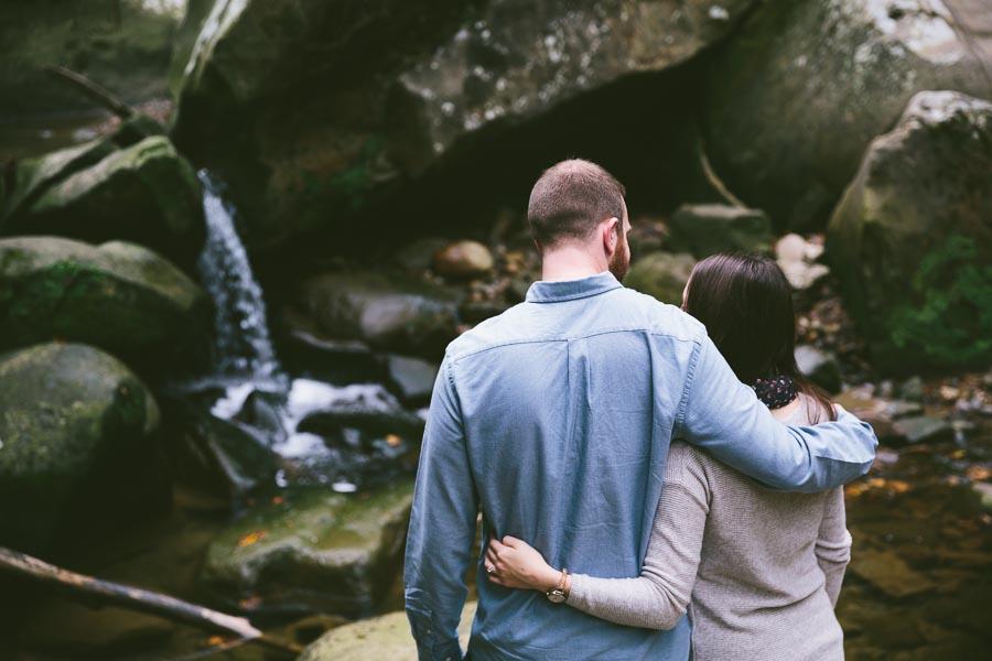 engagement-photography-breckville-ohio-11.jpg