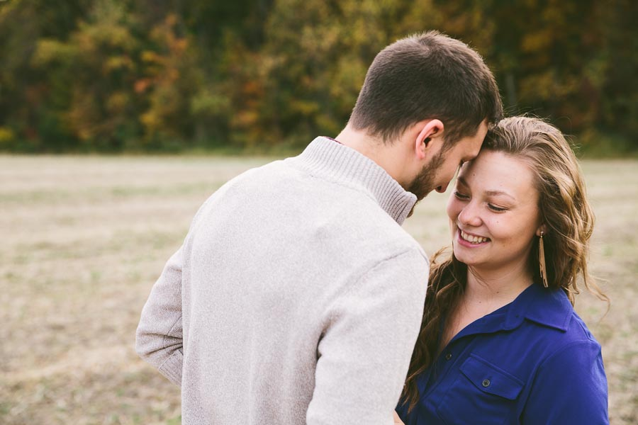 medina-ohio-engagement-photography-farm-15.jpg