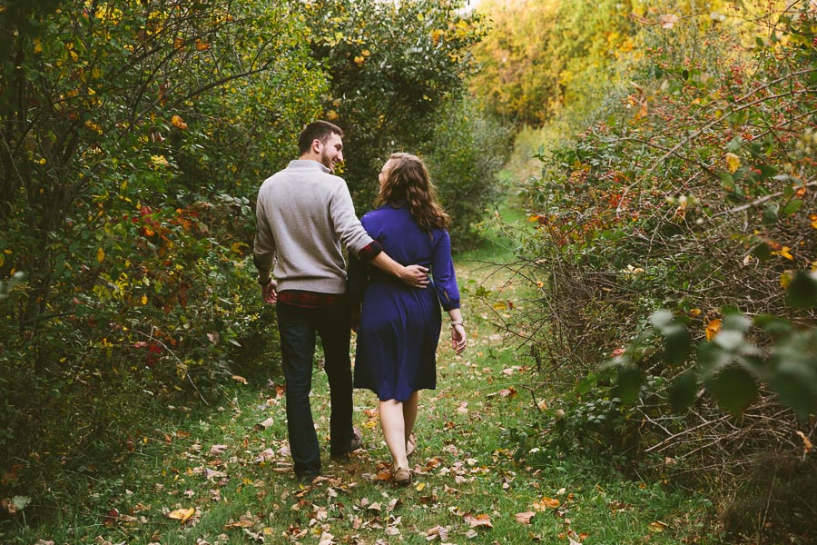 medina-ohio-engagement-photography-farm-17.jpg