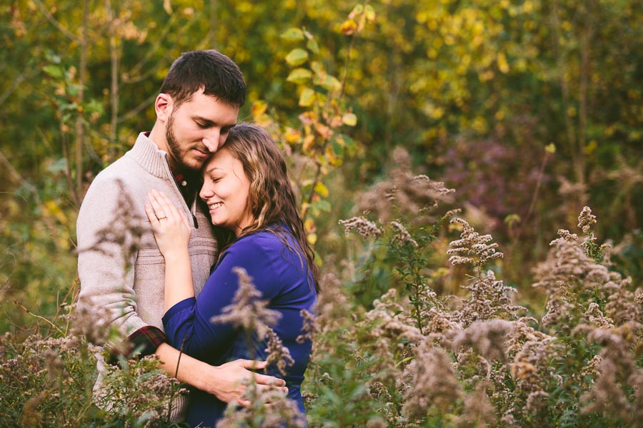 medina-ohio-engagement-photography-farm-18.jpg