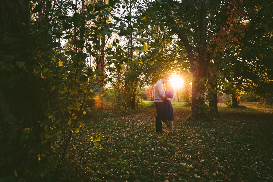 medina-ohio-engagement-photography-farm-19.jpg