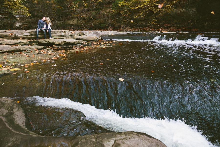 garfield-ohio-engagement-photography-bedford-reservation-16.jpg