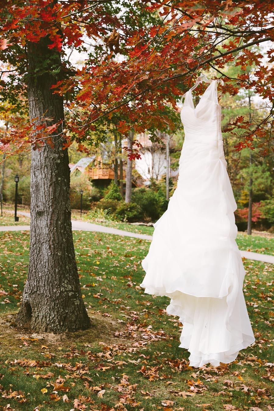 landolls-mohican-castle-wedding-photography-1.jpg