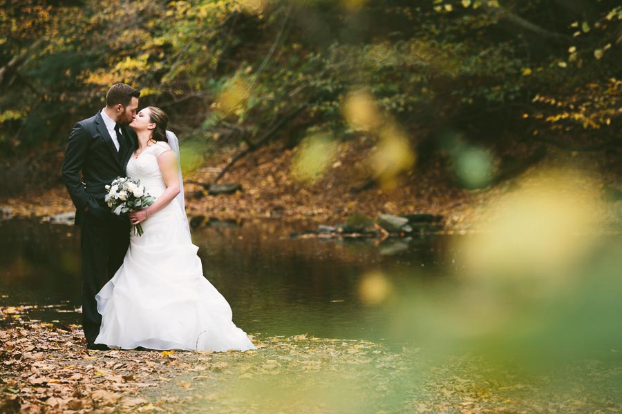 landolls-mohican-castle-wedding-photography-28.jpg