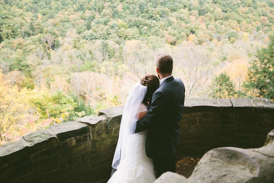 landolls-mohican-castle-wedding-photography-33.jpg
