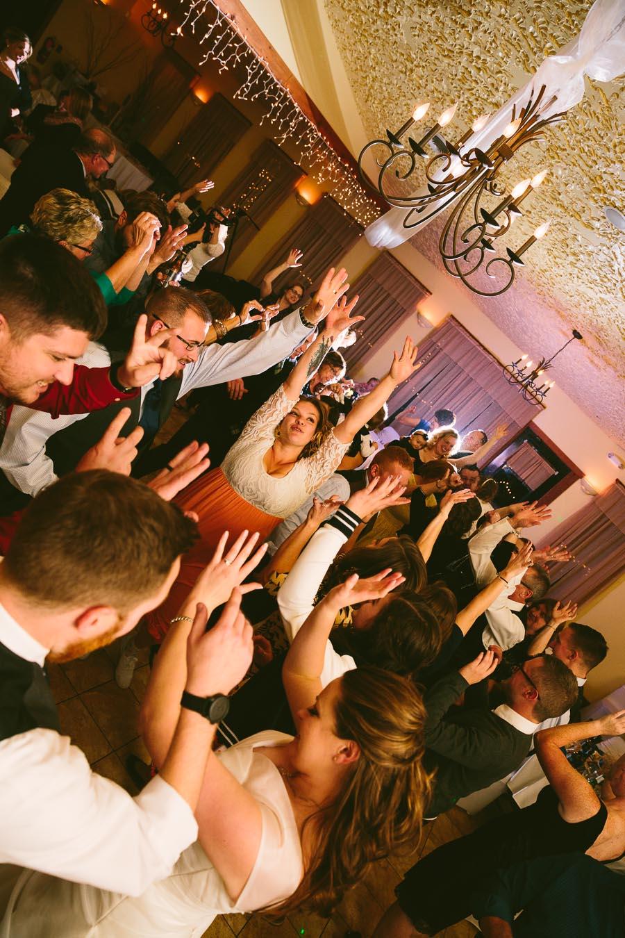landolls-mohican-castle-wedding-photography-62.jpg