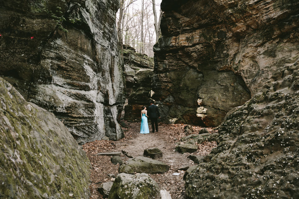 hinckley-ohio-engagement-photographer-mercedes-kevin-7.jpg