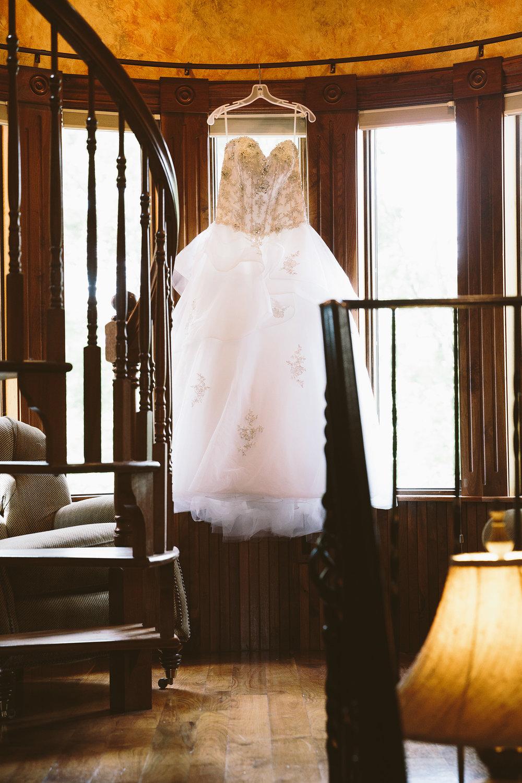 loudonville-ohio-wedding-photographers-landolls-mochican-castle_13.jpg