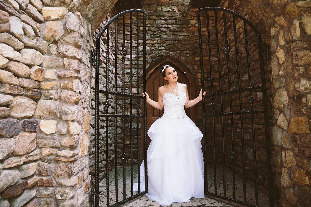 loudonville-ohio-wedding-photographers-landolls-mochican-castle_32.jpg