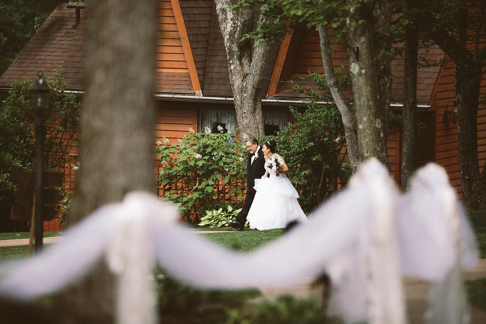 loudonville-ohio-wedding-photographers-landolls-mochican-castle_52.jpg