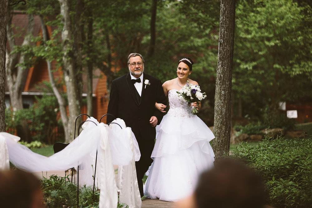 loudonville-ohio-wedding-photographers-landolls-mochican-castle_57.jpg