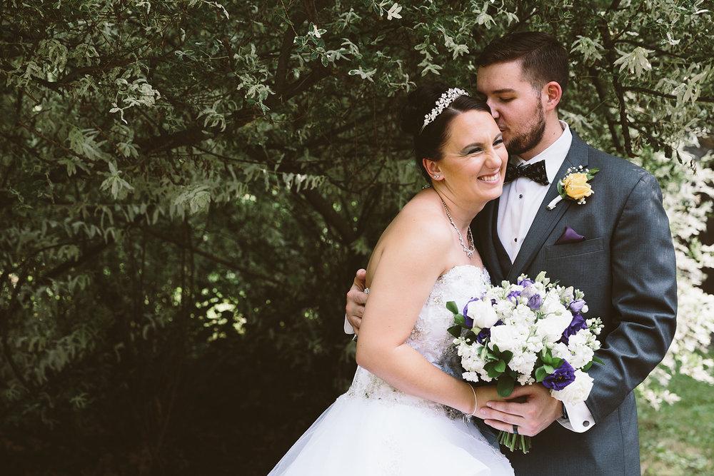 loudonville-ohio-wedding-photographers-landolls-mochican-castle_65.jpg