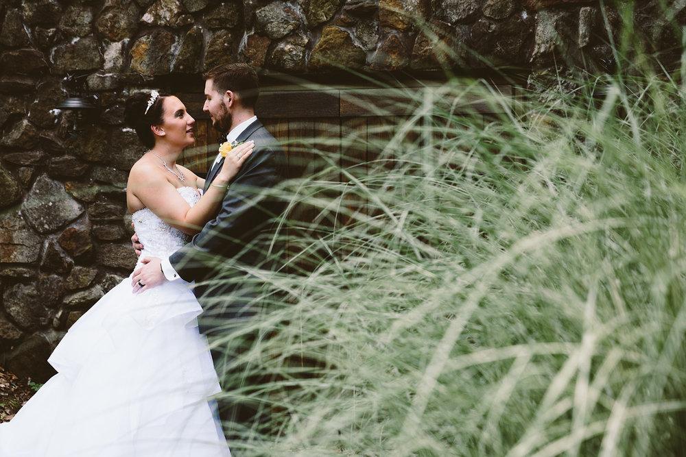 loudonville-ohio-wedding-photographers-landolls-mochican-castle_66.jpg