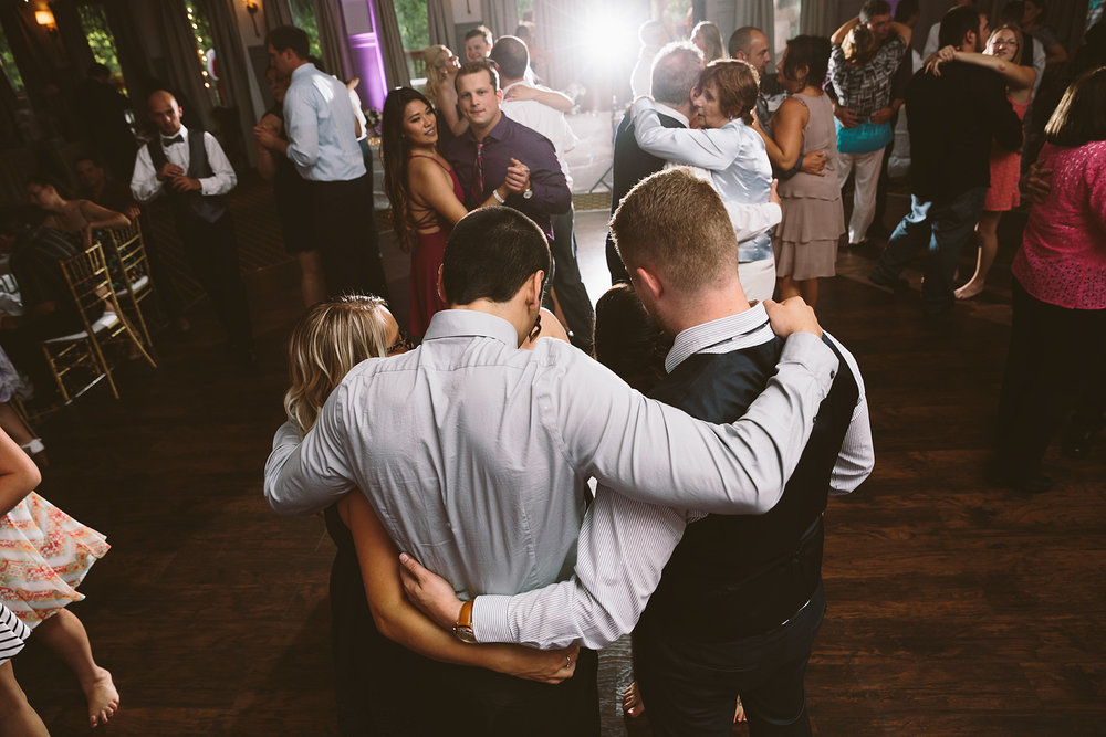 loudonville-ohio-wedding-photographers-landolls-mochican-castle_78.jpg