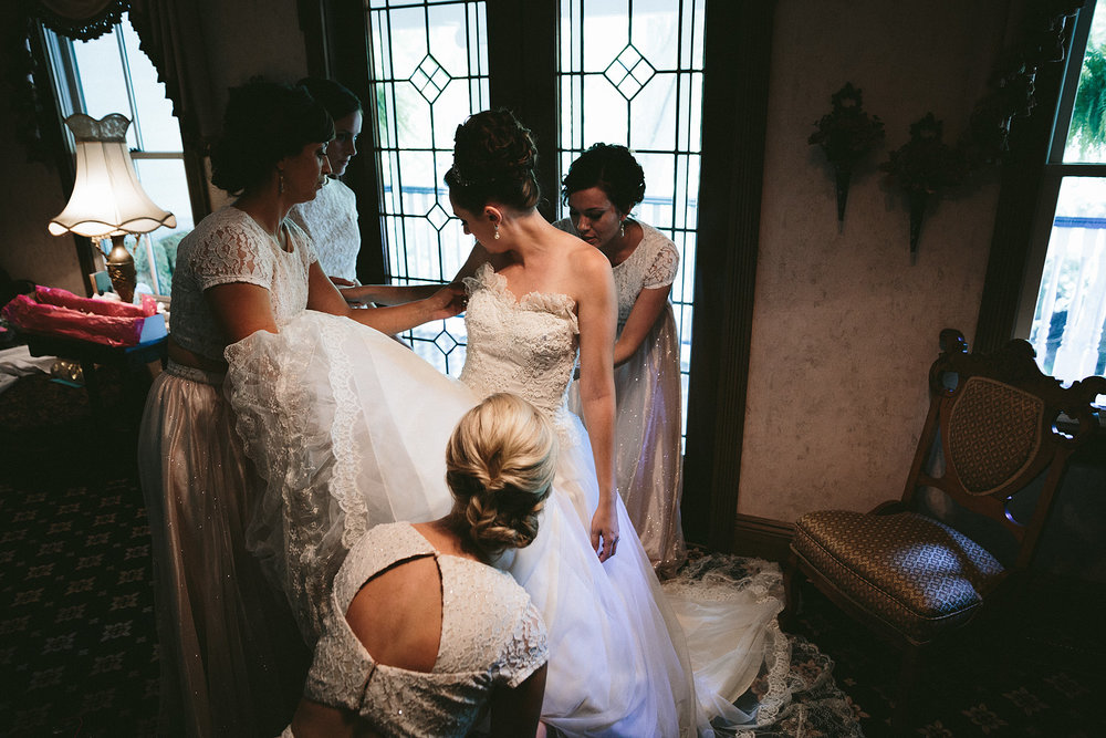 olmsted-falls-wedding-photographer-grand-pacific-junction_16.jpg