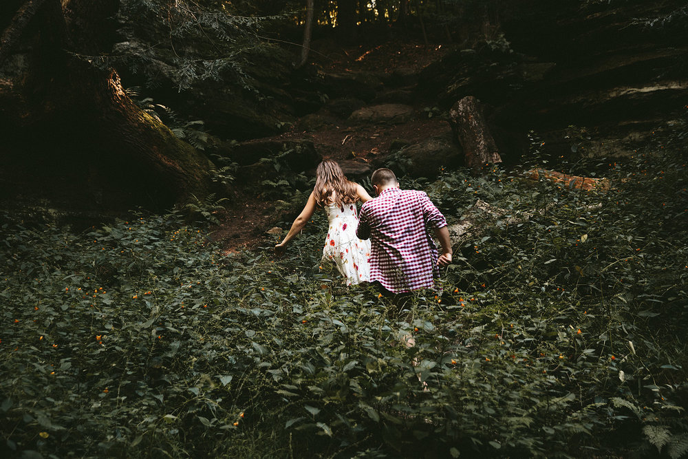 peninsula-ohio-engagement-photography-cuyahoga-valley-national-park-ledges_7.jpg