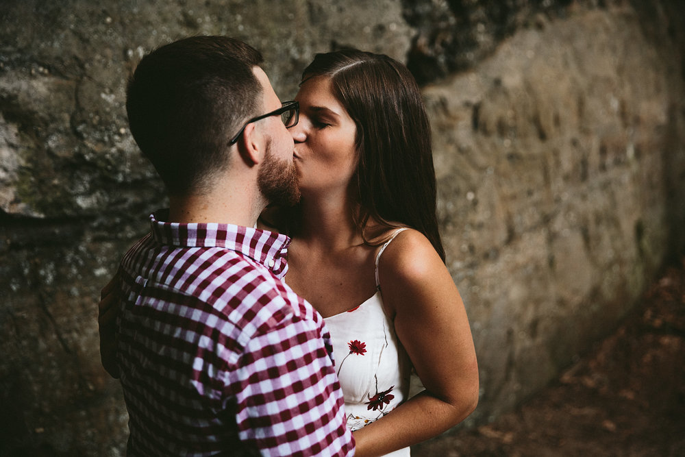 peninsula-ohio-engagement-photography-cuyahoga-valley-national-park-ledges_23.jpg