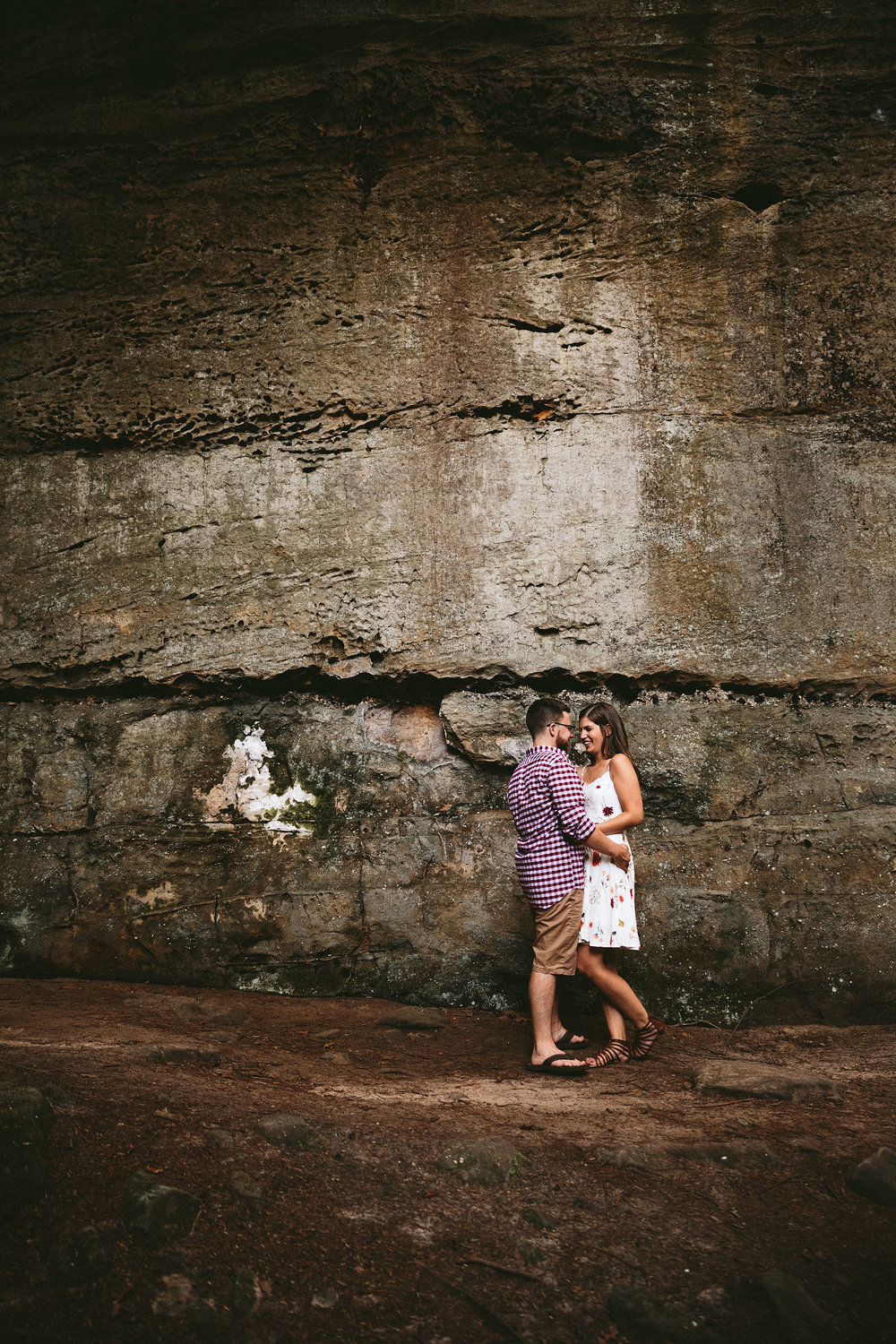 peninsula-ohio-engagement-photography-cuyahoga-valley-national-park-ledges_22.jpg