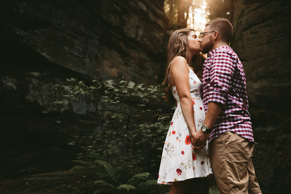 peninsula-ohio-engagement-photography-cuyahoga-valley-national-park-ledges_31.jpg