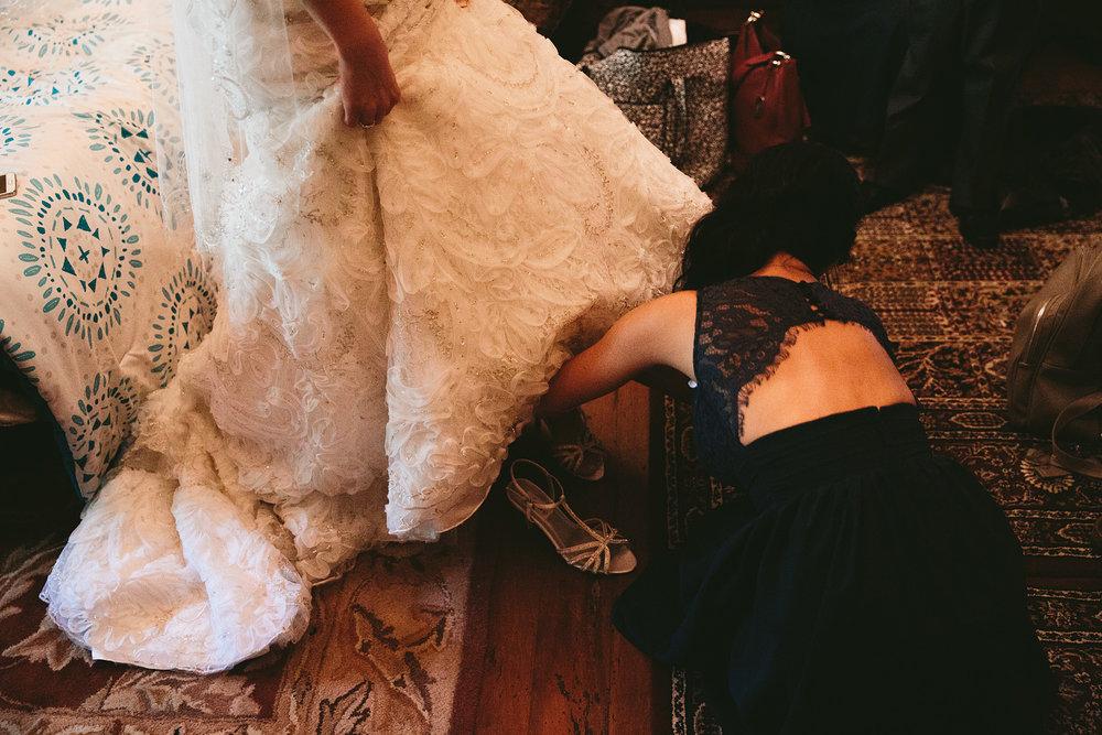 central-ohio-outdoor-wedding-photography-landolls-mohican-castle_10.jpg
